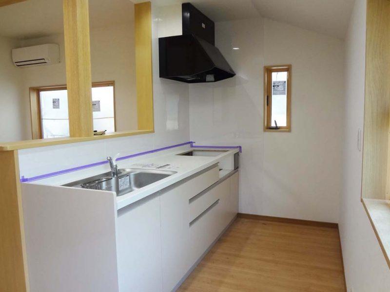 システムキッチ採用、水回り・壁・床フルリフォーム(キッチン)